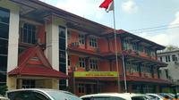 Balita tersebut barumasuk dan menjalani perawatan di rumah sakit yang terletak di Jalan Bunga Lau, Medan Tuntungan, pada Sabtu, 11 April 2020, pukul 16.00 WIB.