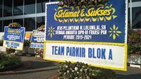 Karangan Bunga Ucapan Selamat Kepada Anggota DPR Terpilih dari Partai Amanat Nasional (PAN), Abraham Lunggana di Gedung DPR, Senayan, Jakarta, Selasa (1/10/2019). (Foto: Merdeka.com).