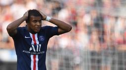 1. Kylian Mbappe (Paris Saint-Germain/Prancis) - 252 juta euro. (AFP/Christof Stache)
