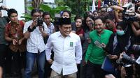 Ketua Partai Kebangkita Bangsa, Muhaimin Iskandar jelang pertemuan dengan Presiden Joko Widodo di Jakarta, Kamis (9/8). Pertemuan membahas koalisi jelang pendaftaran bakal Capres/Cawapres Pilpres 2019. (Liputan6.com/Helmi Fithriansyah)
