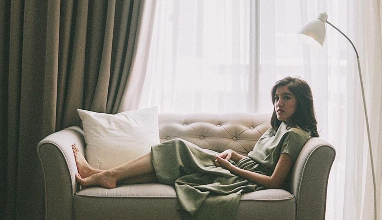 Ify Alyssa, penyanyi cantik jebolan Idola Cilik 1 pada 2008. Ify kini sudah beranjak dewasa. Di usianya ke-23 tahun, Ify mulai merintis solo kariernya. Ia sudah mengeluarkan beberapa single, salah satunya berjudul Dua Insan.(Liputan6.com/IG/@ifyalyssa)