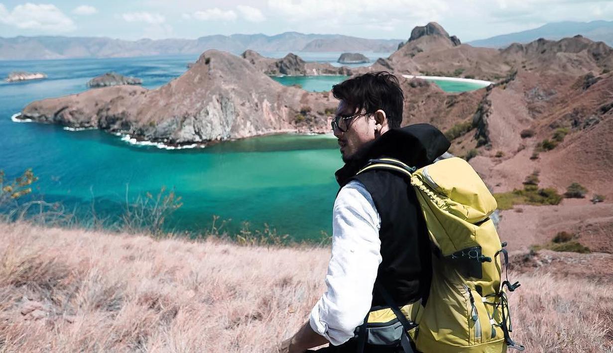 Denny Sumargo merupakan salah satu artis Indonesia yang senang dengan dunia traveling. Selain berakting, ia juga dipercaya menjadi host acara traveling. (Foto: instagram.com/sumargodenny)