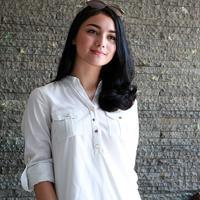 Citra Kirana pun dibantu oleh Ayah, Ibu dan kakaknya dalam mengurusi bisnis propertinya tersebut. (Deki Paryoga/Bintang.com)