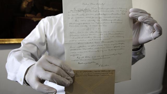 Surat Wasiat Einstein Tentang Teori Relativitas Terjual Rp 1