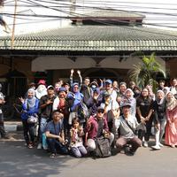 Menikmati empat jam perjalanan berkeliling Kota Jakarta bersama dengan Komunitas Ngopi Jakarta (NgoJak). (Fimela.com/Daniel Kampua)