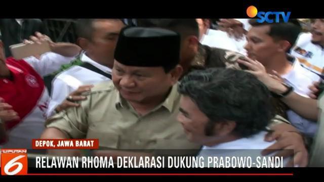 Dalam orasi politiknya, Prabowo meminta para relawan untuk lebih bersabar menyikapi serangan politik lawan.
