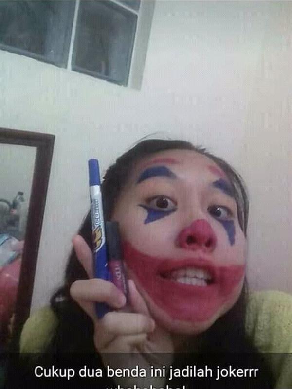 Cewek makeup seperti Joker (Sumber: YogiPrmna41)