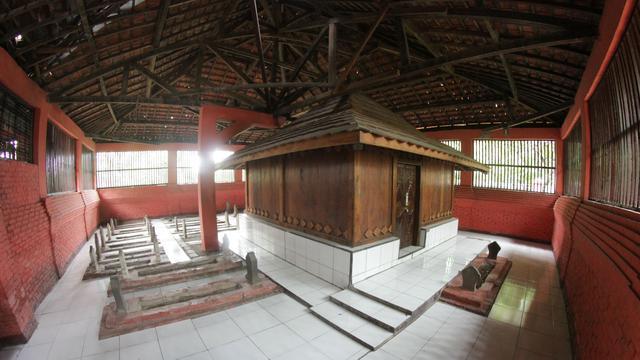 Kisah 99 Kera Santri Penjaga Situs Kalijaga Cirebon