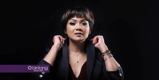 Masyarakat pendatang yang selama ini mencari nafkah di Jakarta berbondong kembali ke kampung halaman ketika Lebaran menjelang. Sebagai warga Jakarta yang tak mudik, Nirina merasakan berkah tersendiri. (Deki Prayoga/Bintang.com)