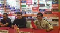 Pelatih Timnas Indonesia U-19, Indra Sjafri, akan mencoba berbagai skema alternatif di PSSI Anniversary untuk Piala AFC U-19 2018. (Bola.com/Zulfirdaus Harahap)