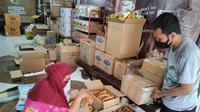 Demi memajukan pelaku Usaha Mikro, Kecil dan Menengah (UMKM), Pemerintah Provonsi Jawa Tengah menggelar program belanja parsel. Terkini, 2 ribu paket telah laku terjual dari Organisasi Pemerintah Daerah (OPD), BUMD maupun BUMN.