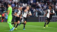 Striker Juventus, Cristiano Ronaldo, melakukan selebrasi usai membobol gawang Verona pada laga Serie A di Stadion Juventus, Sabtu (21/9/2019). Juventus menang 2-1 atas Verona. (AP/Alessandro Di Marco)