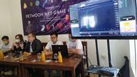 Pengenalan Petmoon Token atau Petmoon NFT Game Crypto kreasi anak Surabaya. (Dian Kurniawan/Liputan6.com)