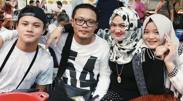 [Bintang] Keluarga Sule