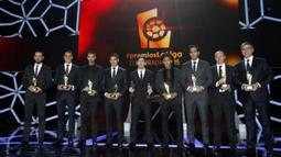 Para Pemain La Liga Spanyol saat meraih penghargaan  LFP (Spanish Professional League) 2014-2015 di Barcelona, Selasa (1/12/2015) dini hari WIB. (photo/LaLiga.es)