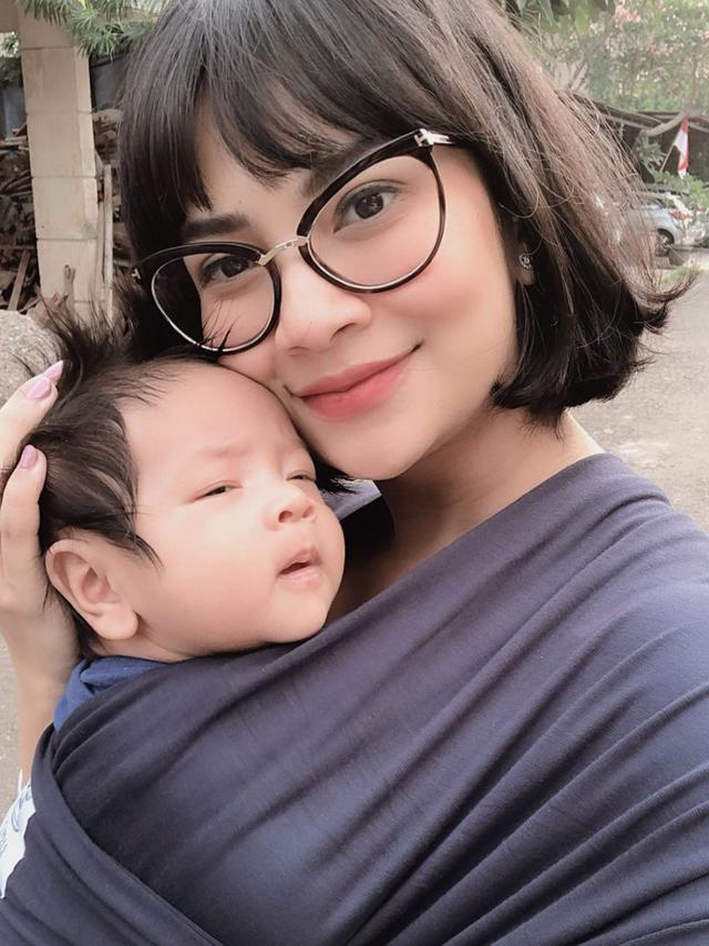 Dikasih Susu Formula, Anak Vanessa Angel Malah Muntah