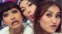 Ayu Ting Ting, Julia Perez dan Zaskia Gotik tidak `jaim` satu sama lain [foto: instagram/ayutingting92]