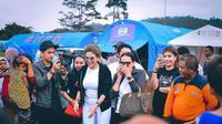 Nikita Mirzani terbang menuju Ambon untuk menengok para korban gempa yang terjadi beberapa waktu lalu. (instagram.com/nikitamirzaanimawardi17)
