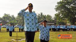 Citizen6, Lampung: Pemkab Tulang Bawang Barat menggelar Upacara Bulanan di Lapangan Merdeka Panaragan Jaya, Jumat Pagi (17/06). (Pengirim: Jerry Hasan)
