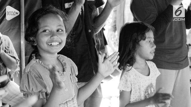 Usai diguncang gempa dan tsunami, Palu terus berbenah dan berupaya bangkit. Tak hanya kotanya, tapi juga manusianya.