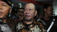 Tersangka kasus korupsi dana hibah Kadin Jawa Timur senilai Rp 5,3 miliar, La Nyalla Mattalitti usai menjalani pemeriksaan di Kejagung, Jakarta pada Selasa (31/5). (Liputan6.com/Helmi Afandi)