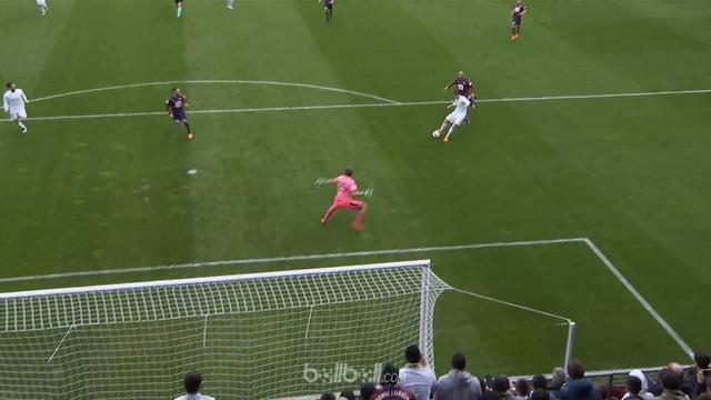 Real Madrid meraih kemenangan tipis 2-1 atas Eibar untuk memperkokoh posisinya di urutan ketiga klasemen Liga Spanyol. Cristiano R...