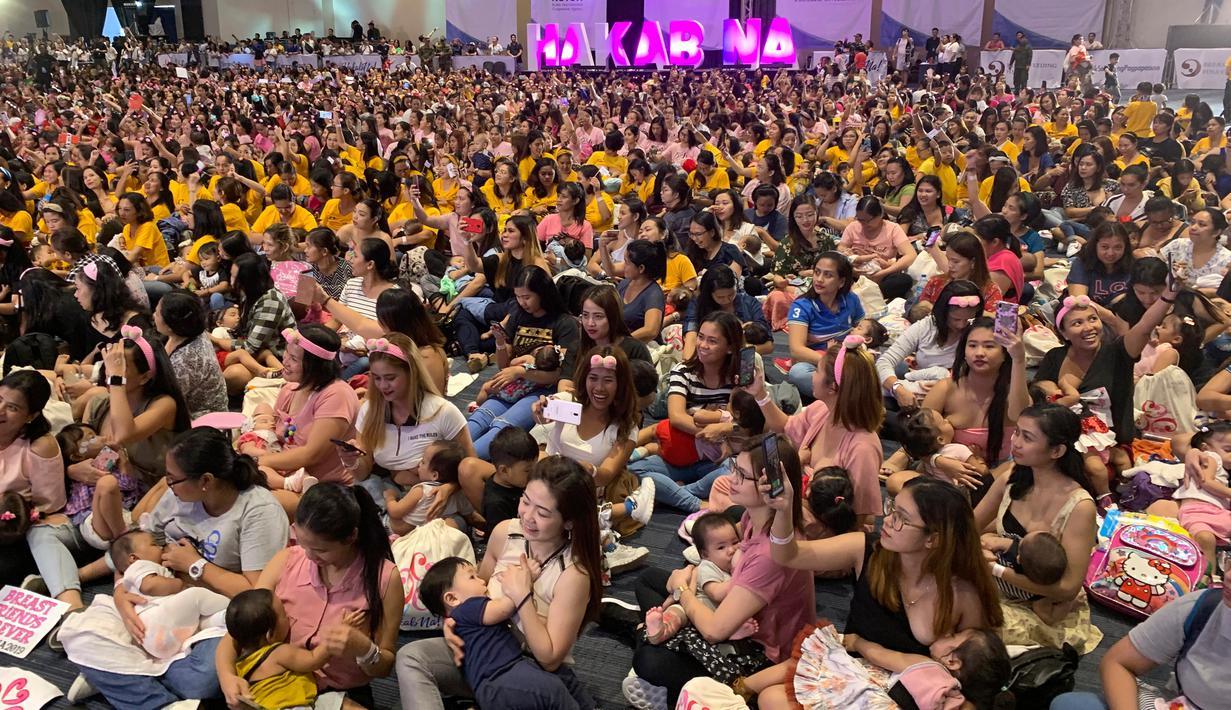 FOTO: 2.000 Ibu di Filipina Gelar Aksi Menyusui Massal ...