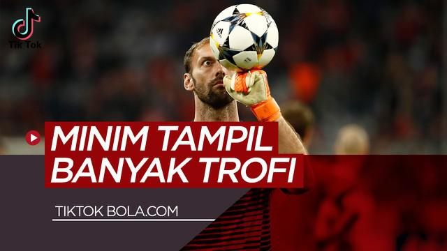 Berita video TikTok Bolacom tentang 3 kiper paling beruntung di dunia, salah satunya kiper Barcelona