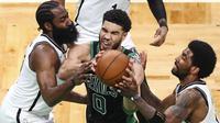Dalam pertandingan Boston Celtics melawan Brooklyn Nets, Jason Tatum turun selama 40 menit. Pebasket 23 tahun ini mampu tampil apik dengan menorehkan 50 poin serta mampu melewati penjagaan termasuk dari James Harden dan Kyrie Irving.