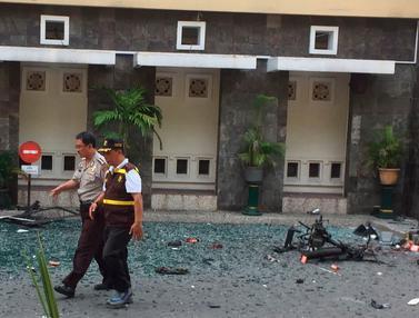 Pasca-Ledakan Bom di Gereja Santa Maria