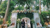 Resepsi pernikahan di Taman Langsat. (dok. Instagram @temantaman.jkt/https://www.instagram.com/p/B7qdQ0igmiY//Tri Ayu Lutfiani)