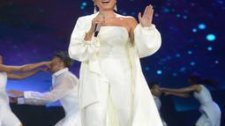 Bukan hanya soal pakaian kerap memukau, tapi suara emas Agnes Mo juga selalu pukau para penonton. (Kapanlagi.com/Bayu Herdianto)