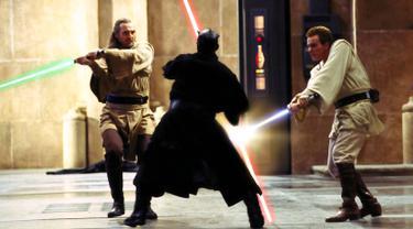Star Wars Episode I: The Phantom Menace adalah sebuah film opera antariksa tahun 1999 yang disutradarai oleh George Lucas. Film ini adalah film keempat yang dirilis dalam saga Star Wars, sebagian dari 3 film trilogi prekuel. (www.incine.fr)