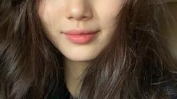 Foto selfie Suzy tanpa make up, kecantikannya sangat hakiki ya? (Liputan6.com/IG/skuukzky)