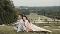Jusup Maruta Cayadi dan Clarissa Wang pasangan yang rencana pernikahannya viral di media sosial. (dok. Instagram @njsmakeup/https://www.instagram.com/p/BqyVkXFnDWu/Asnida Riani)