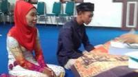 Sutasmi dan Dwi Purwanto saat menjalani pemeriksaan pernikahan, namun dikabarkan seakan-akan sedang menlangsungkan akad nikah. (foto: Liputan6.com / FB / edhie prayitno ige)