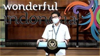 Menparekraf Sandiaga Uno Pesan 120 Kain Tenun Grinsing untuk Souvenir KTT G20 di Bali