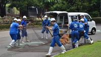 Latihan keadaan darurat di salah satu kebun binatang di Jepang. (dok. Facebook/tobezoo)