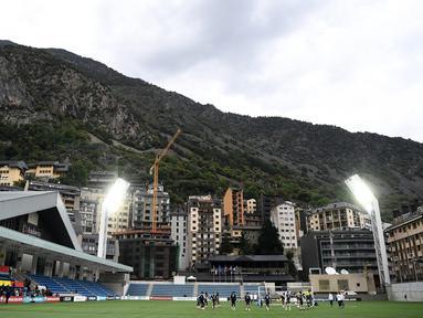 Suasana latihan timnas Prancis di stadion Nasional di Andorra La Vella (10/6/2019). Prancis akan bertanding melawan timnas Andorra pada grup H Kualifikasi Piala Eropa 2020 di Estadi Nacional d'Andorra. (AFP Photo/Franck Fife)