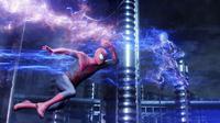 The Amazing Spider-Man 2 mencoba menampilkan bagaimana Peter Parker mengalami kesulitan dalam menata kehidupannya sebagai superhero.