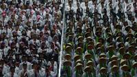 Sejumlah CPNS mengikuti Presidential Lecture 2019 di Istora Senayan, Jakarta, Rabu (24/7/2019). Kegiatan yang diikuti oleh 6.148 CPNS hasil seleksi tahun 2018 itu mengangkat tema Sinergi Untuk Melayani. (merdeka.com/Imam Buhori)