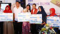 BRI menyalurkan Kredit Usaha Rakyat (KUR) Mikro kepada nasabah ultra mikro yang naik kelas di Klungkung, Bali, Selasa (10/9).