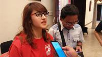 Ketua DPP Partai Solidaritas Indonesia (PSI), Tsamara Amany Saat Diwawancarai Sejumlah Media di Serang, Banten. (Foto: Yandhi Deslatama/Liputan6.com)