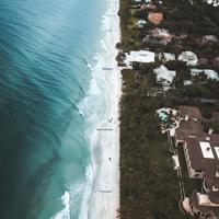 Ilustrasi tsunami (Unsplash.com)
