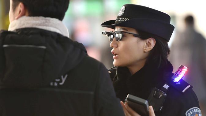 Foto Dilengkapi Kacamata Canggih Polisi China Makin Gampang Tangkap Penjahat Tekno Liputan Com