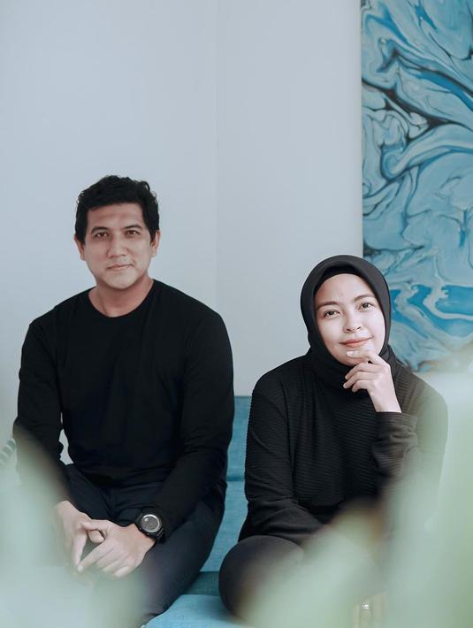 Tantri Kotak dan Arda Naff sudah menikah selama tujuh tahun. Tentu bukan hal mudah bagi keduanya dalam mempertahankan hubungan tersebut. Terutama saat keduanya masih berpacaran. (Instagram/tantrisyalindri)