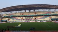 Suasana di Stadion Wibawa Mukti Cikarang pada laga Timnas Indonesia U-19 dan Timnas Indonesia, Rabu (10/10/2018). (KLY Sports/Fitri Apriani)