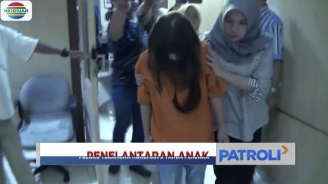 Aparat Polres Makassar menetapkan ibu angkat ketiga bocah yang mengalami kekerasan di Makassar, Sulawesi Selatan, sebagai tersangka.
