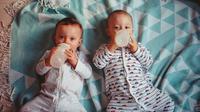 Ilustrasi susu bayi. (dok. unsplash.com/jens_johnsson)