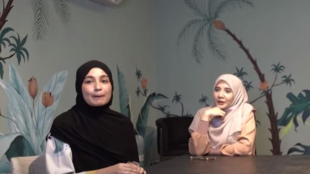 Shireen dan Zaskia Sungkar. (Foto: YouTube The Sungkars Family)
